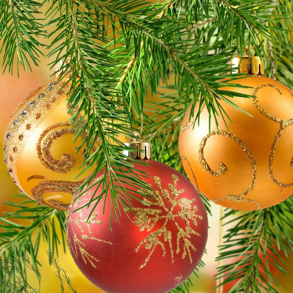 Puzzle Recueillir des puzzles en ligne - Balls on fir-tree