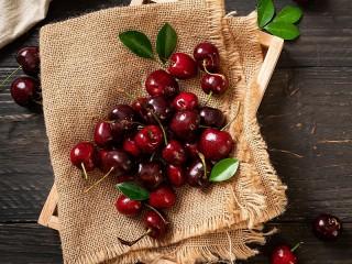 Собирать пазл Cherry онлайн