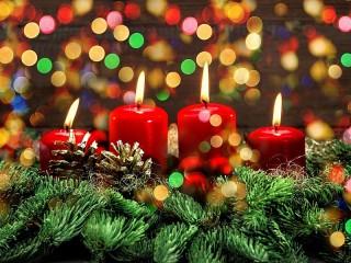 Собирать пазл Four candles онлайн