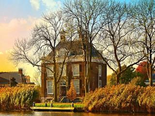 Собирать пазл Dutch house онлайн