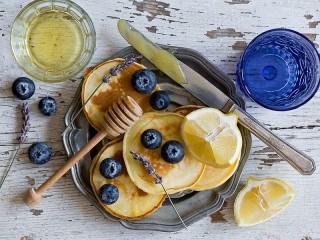 Собирать пазл Lavender and pancakes онлайн