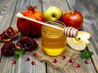 Собирать пазл Honey and fruit онлайн