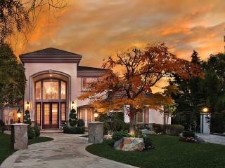 Собирать пазл Lit mansion онлайн