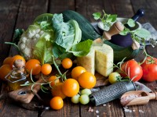Собирать пазл Vegetables and cheese онлайн