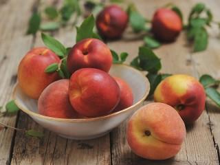 Собирать пазл Peaches and nectarines онлайн