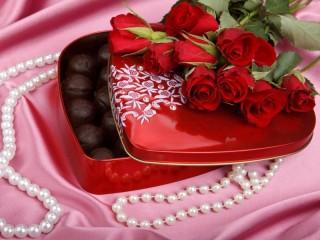 Собирать пазл podarok rozi konfeti онлайн