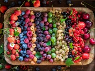 Собирать пазл Rainbow berries онлайн