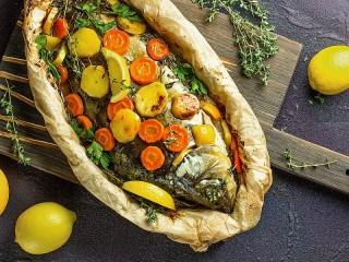Собирать пазл Fish in parchment онлайн