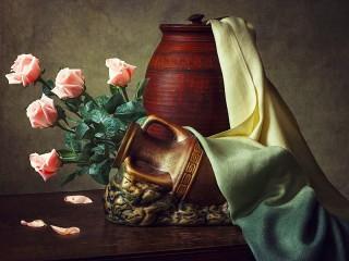 Собирать пазл Roses in pitcher онлайн