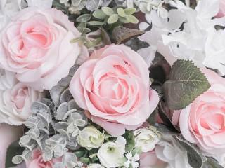 Собирать пазл Pink roses онлайн