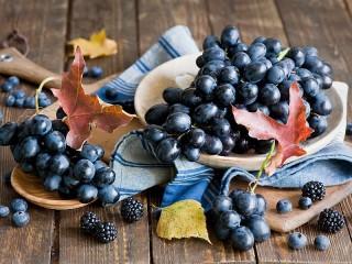 Собирать пазл Blue berries онлайн