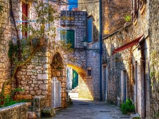 Собирать пазл Stari Grad Croatia онлайн