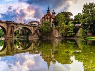 Собирать пазл In Portugal онлайн