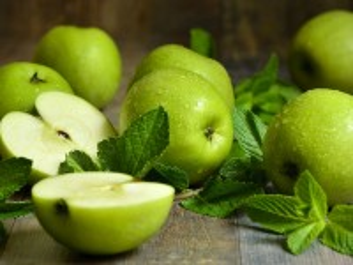 Собирать пазл Apples and mint онлайн