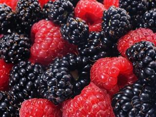 Собирать пазл Berries онлайн