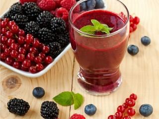 Собирать пазл Berry drink онлайн