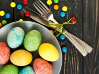 Собирать пазл Eggs and jelly beans онлайн
