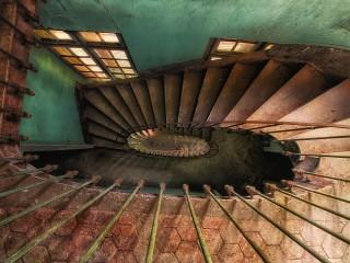 Собирать пазл Forgotten steps онлайн