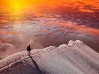 Собирать пазл Sunset in the mountains онлайн