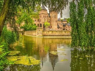 Собирать пазл Castle De Haar онлайн