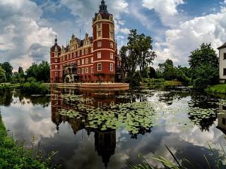 Собирать пазл The Schloss Muskau Castle онлайн